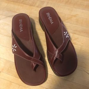 Women's Size 9M Ipanema Red Leather Upper Sandal